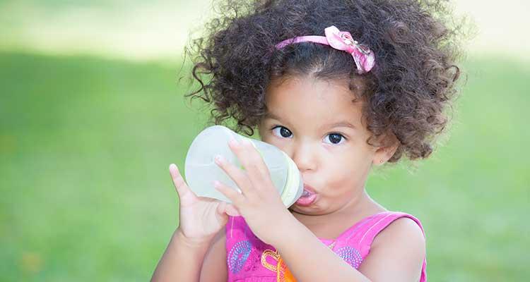 baby-bottle-girl